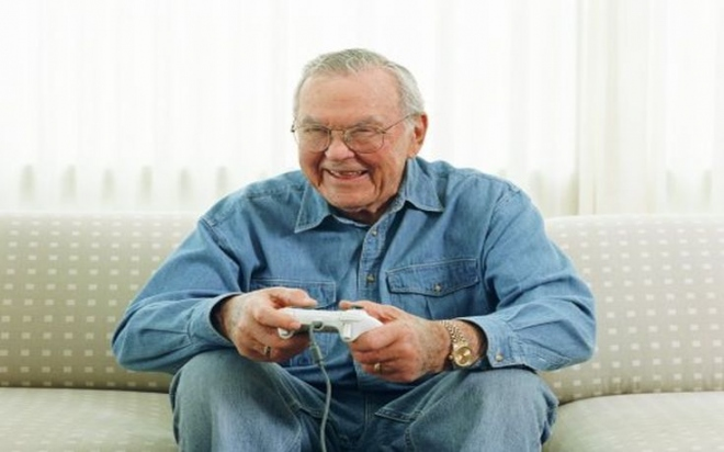 funny-old-gamer.jpg